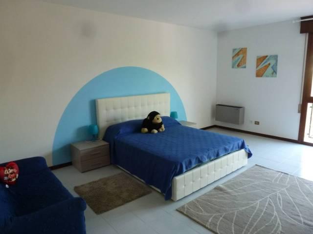 Appartamento in ottime condizioni arredato in affitto Rif. 4465897