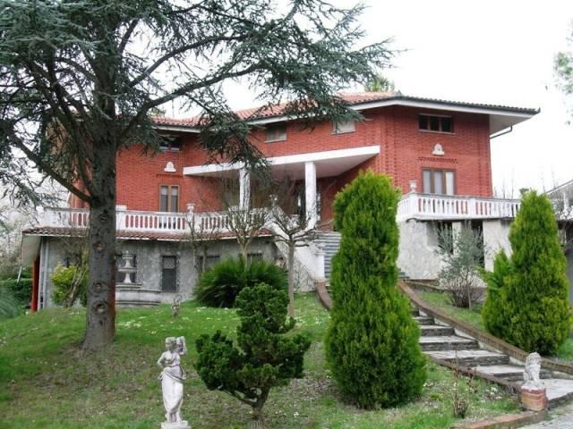 Villa in vendita a Cocconato, 6 locali, prezzo € 250.000 | CambioCasa.it