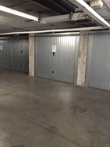 Vendesi N.6 garages superfici da 14-15 mq mai utilizzati. Le unità si trovano al piano interrato di