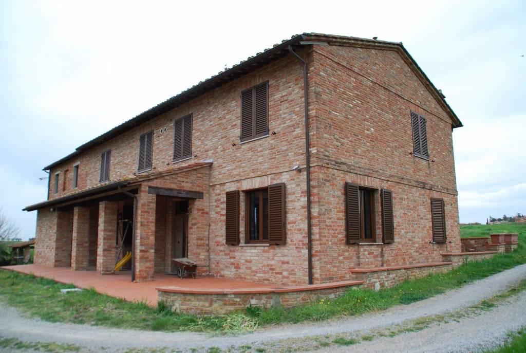 Appartamento in Vendita a Castiglione Del Lago Periferia: 5 locali, 170 mq