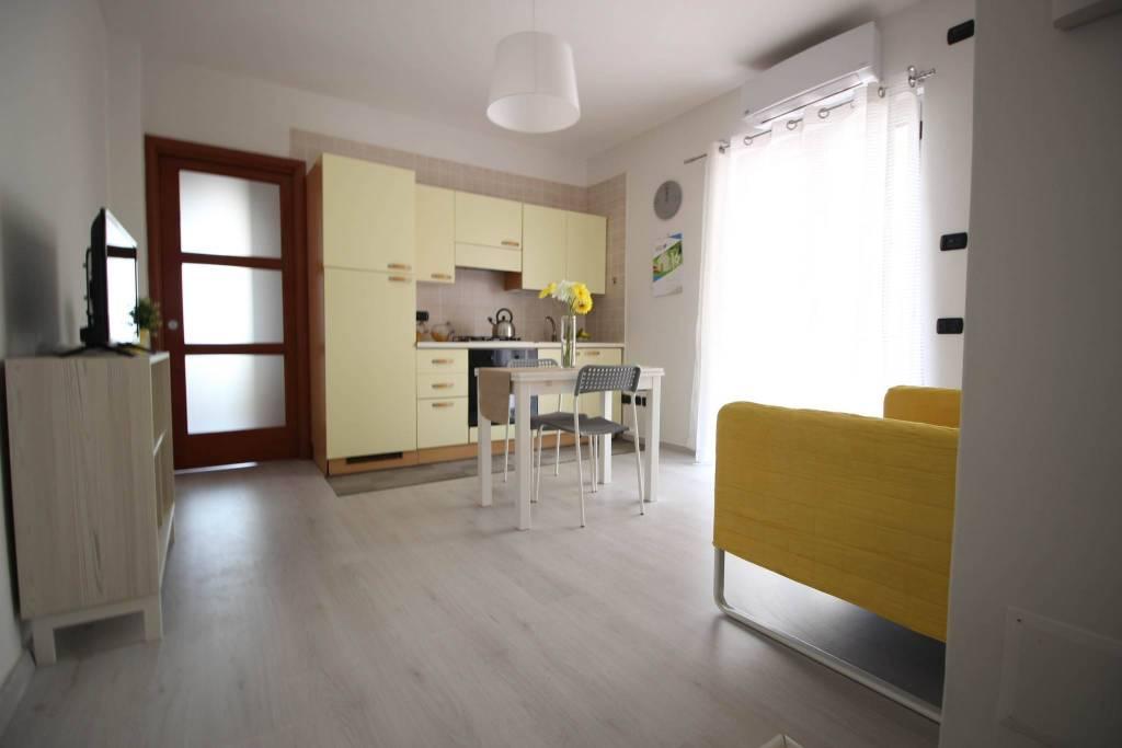 Appartamento in ottime condizioni arredato in affitto Rif. 8112710