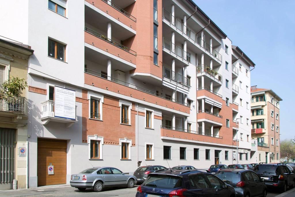 Immagine immobiliare Appartamento nuovo a Torino in zona Lungo Po, via Cigliano. Proponiamo all'ultimo piano di uno stabile di recente costruzione appartamento con possibilità di personalizzare i materiali interni. L'appartamento è mansardato, con...