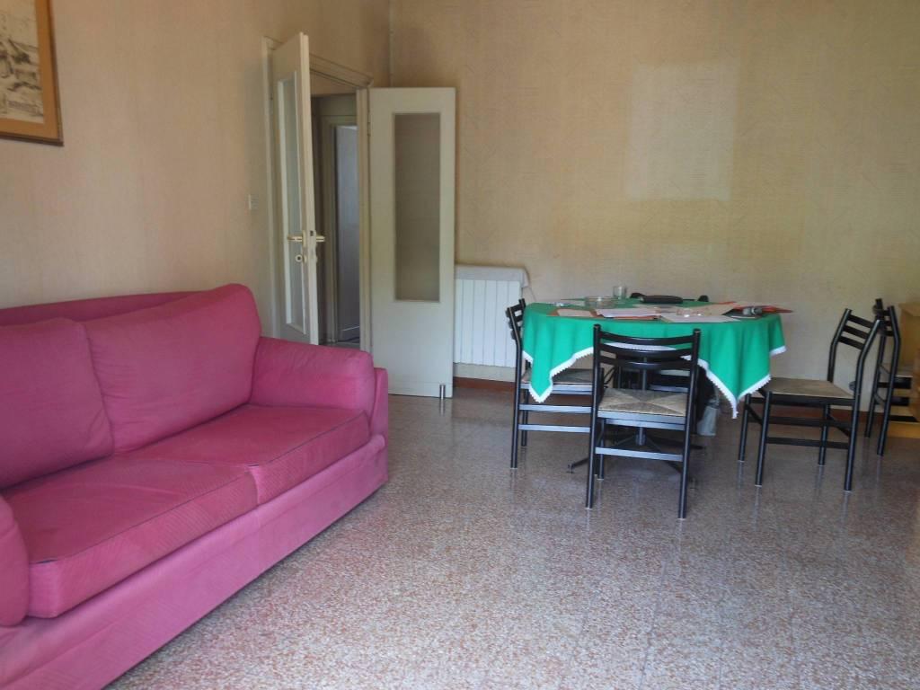Appartamento in vendita a Roma, 5 locali, zona Zona: 12 . Cinecittà,Don Bosco, Lucrezia Romana, prezzo € 190.000 | CambioCasa.it