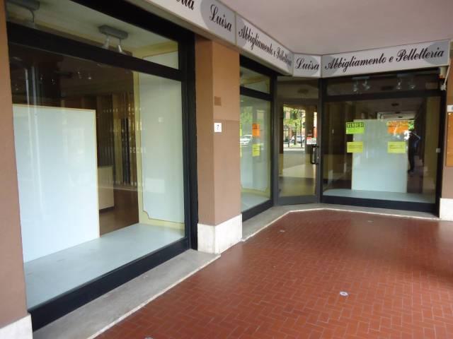Negozio / Locale in vendita a Cavezzo, 2 locali, Trattative riservate | CambioCasa.it