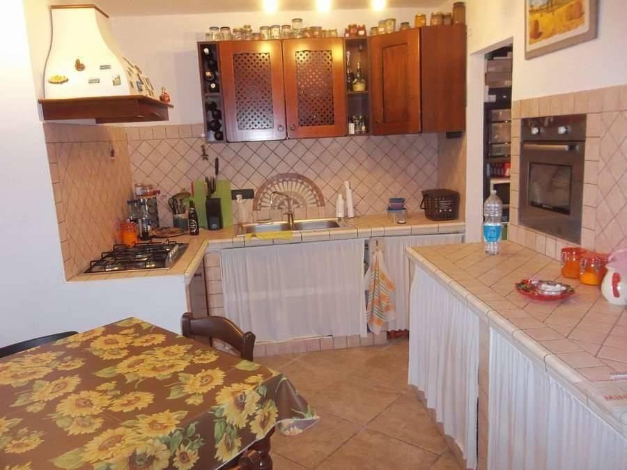 Casa Indipendente in ottime condizioni parzialmente arredato in vendita Rif. 8154010