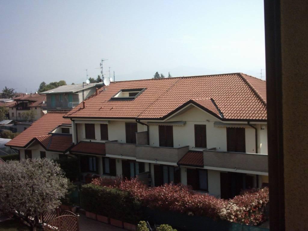 Appartamento in buone condizioni in vendita Rif. 9273703