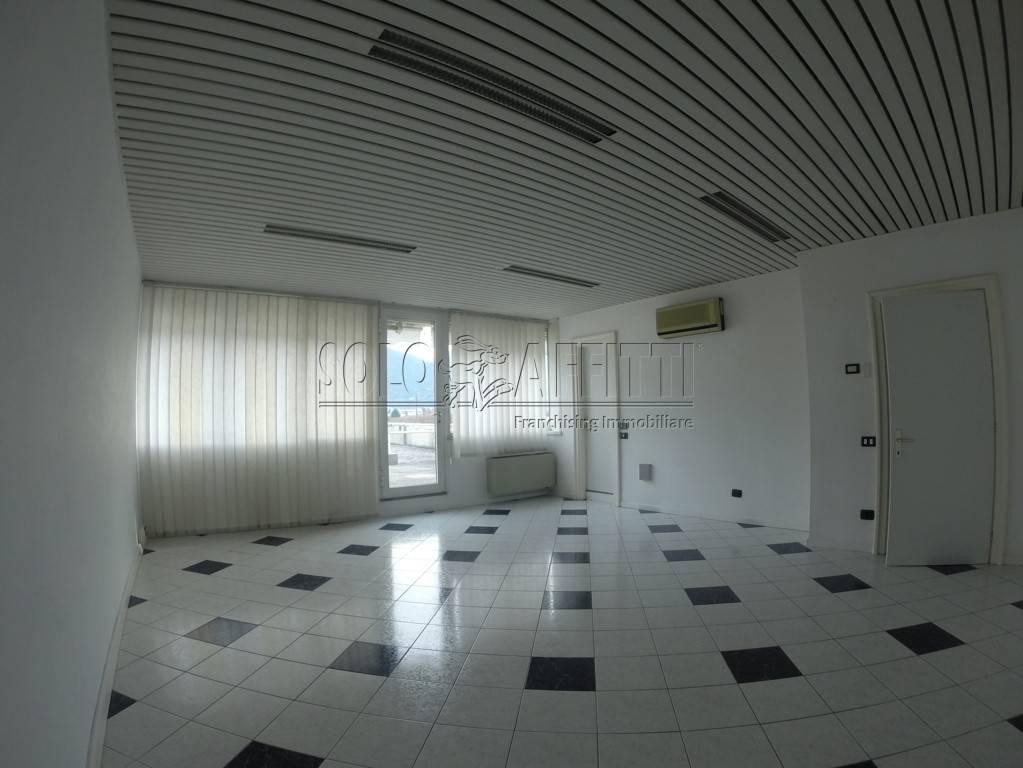 Ufficio in affitto Rif. 8690034