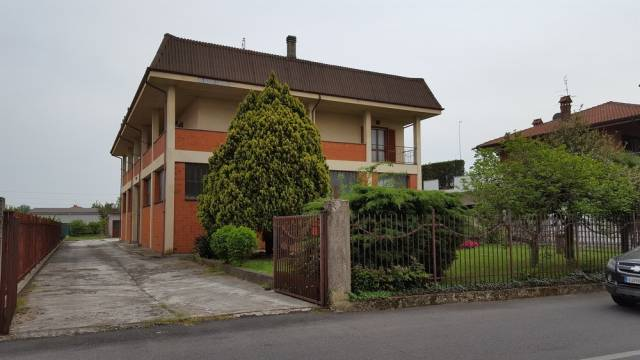 Villa in buone condizioni in vendita Rif. 4968052
