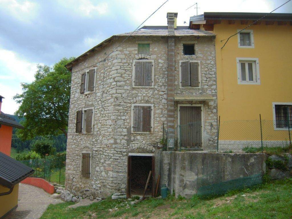 Appartamento da ristrutturare in vendita Rif. 5220197