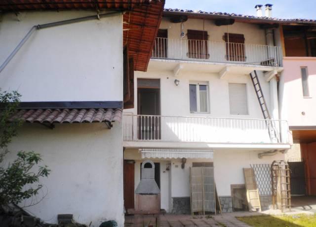 Villa in Vendita a Perosa Canavese Centro: 5 locali, 228 mq