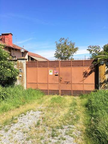 Rustico / Casale in buone condizioni in vendita Rif. 4911995