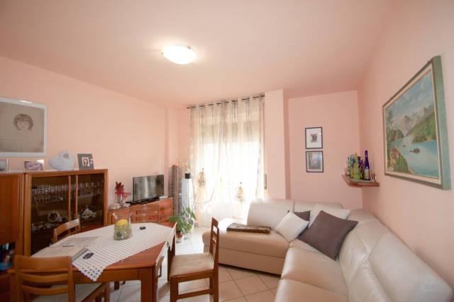 Appartamento in buone condizioni parzialmente arredato in vendita Rif. 5084301