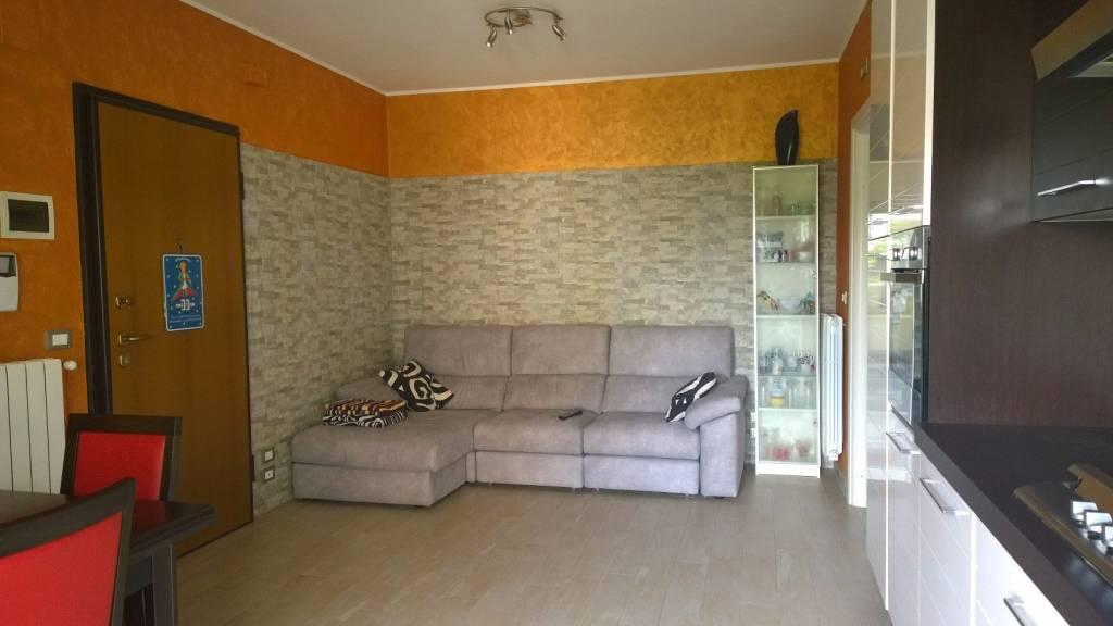 Appartamento in ottime condizioni in vendita Rif. 8756914