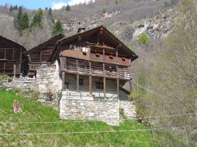 Rustico / Casale in buone condizioni parzialmente arredato in vendita Rif. 4949863