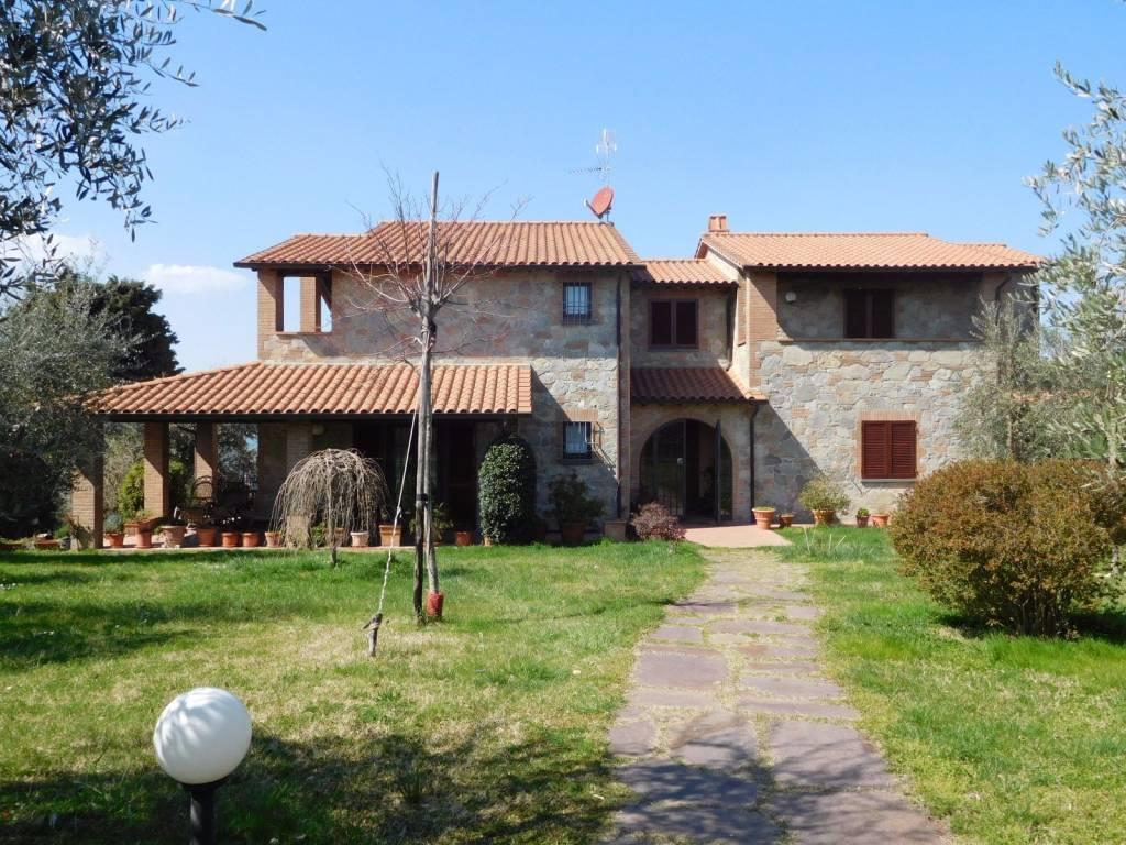 Villa in Vendita a Citta' Della Pieve Periferia: 5 locali, 520 mq