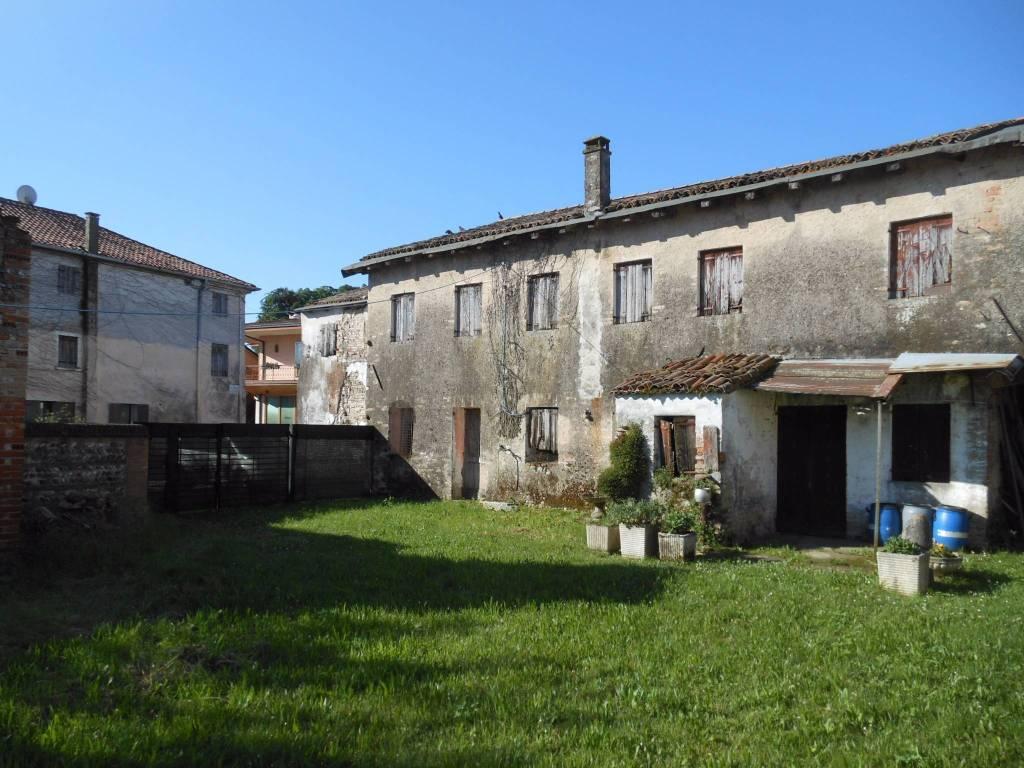 Rustico / Casale in vendita a Povegliano, 9999 locali, prezzo € 110.000 | CambioCasa.it