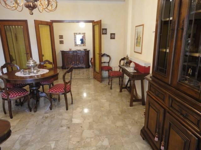 Appartamento in buone condizioni arredato in affitto Rif. 9257534