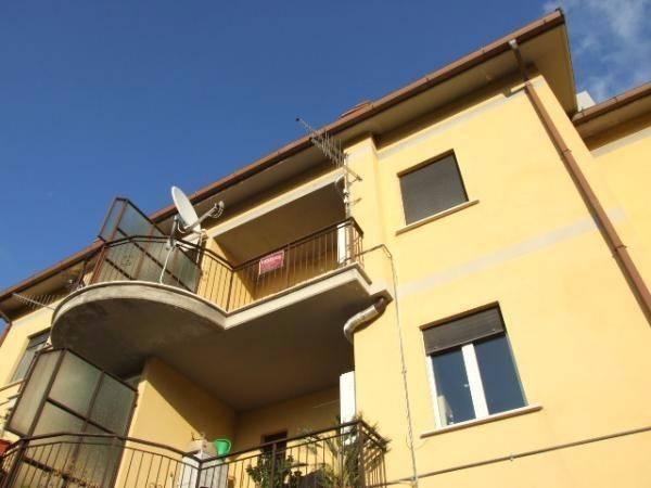 Appartamento in buone condizioni in vendita Rif. 7766507