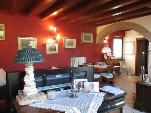 Rustico / Casale in vendita a Castelnuovo del Garda, 5 locali, prezzo € 305.000   Cambio Casa.it