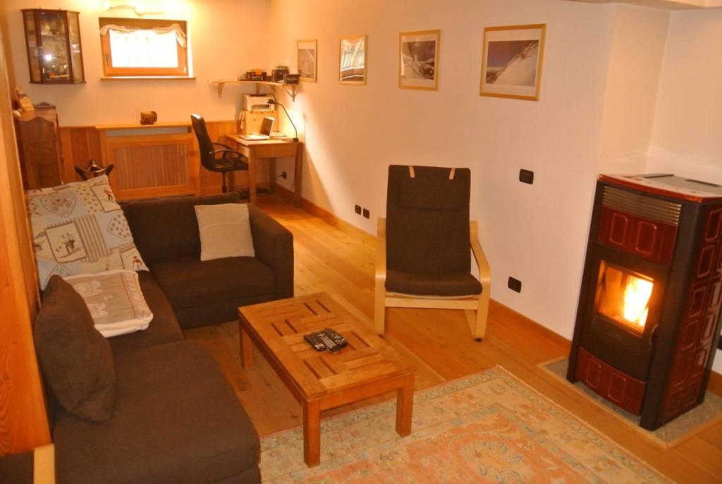 Appartamento in vendita a Gressoney-la-Trinitè, 5 locali, prezzo € 290.000   CambioCasa.it