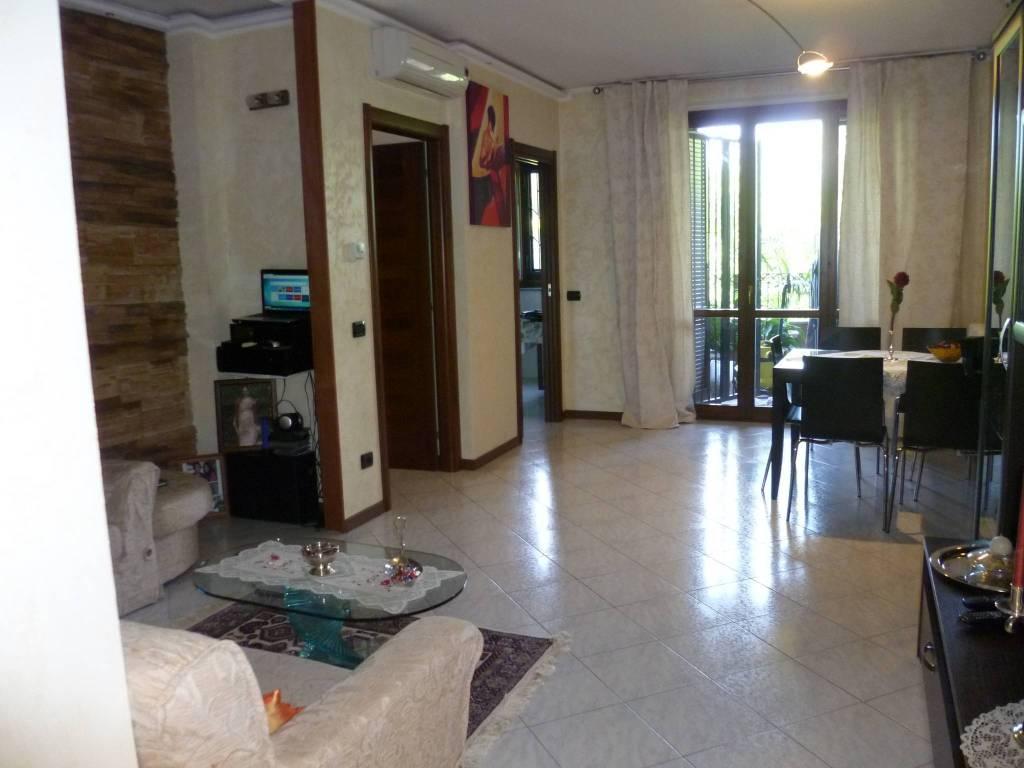 Appartamento in ottime condizioni arredato in vendita Rif. 4333806