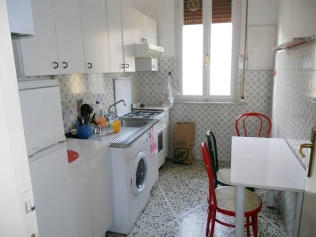 Stanza - Camera in Affitto  zona Santa Maria Rif.12213692