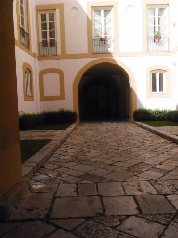 Ufficio-studio in Vendita a Palermo Centro: 5 locali, 250 mq
