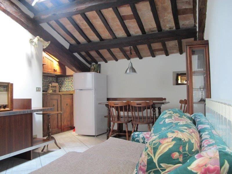 Appartamento in Affitto a Pistoia Centro: 2 locali, 40 mq