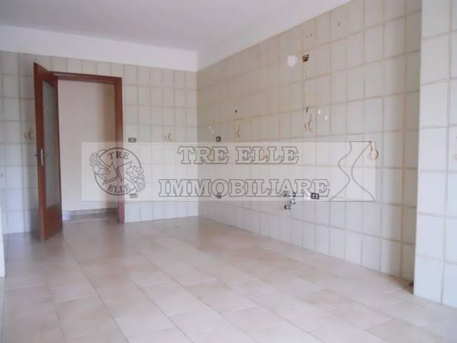 Appartamento in buone condizioni in affitto Rif. 6108149