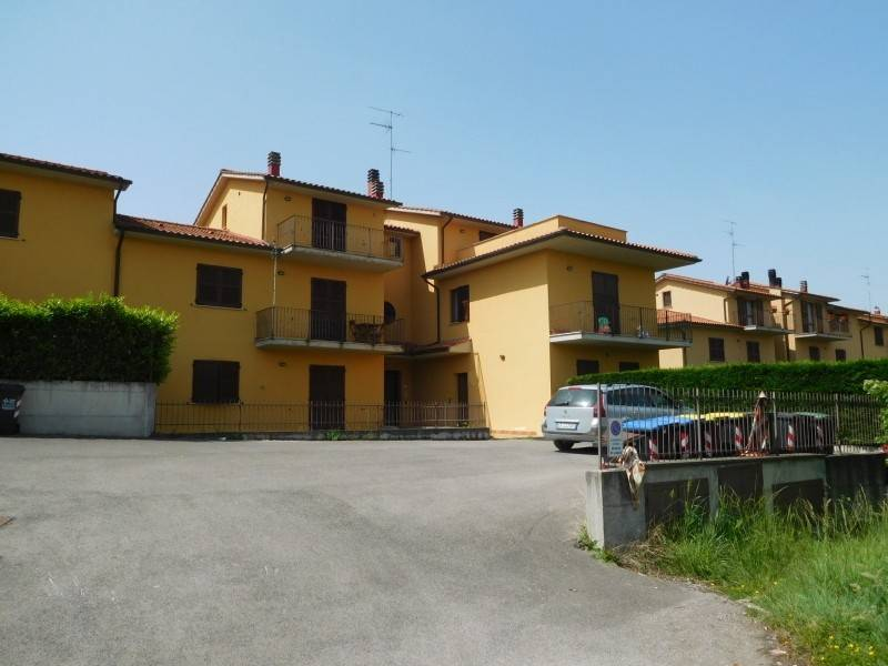 AO547 Italy, Umbria: for sales apartment with garden and cellar