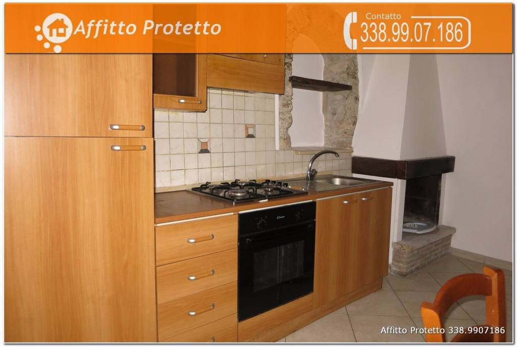 Appartamento in ottime condizioni arredato in affitto Rif. 9116931