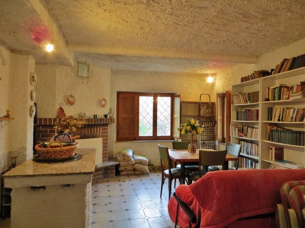 Villa in buone condizioni in vendita Rif. 6038782