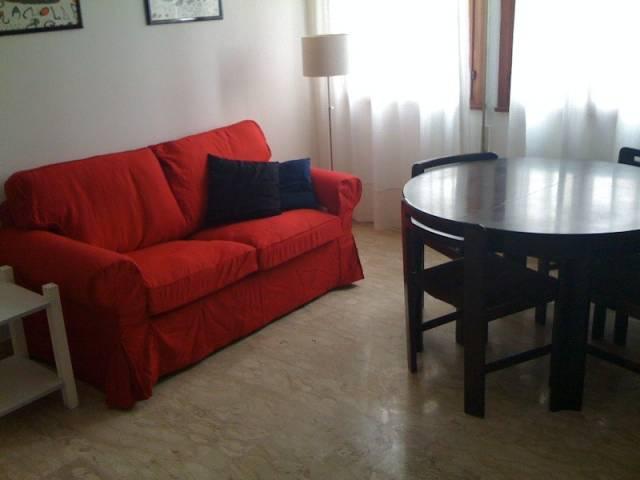 Appartamento in buone condizioni arredato in affitto Rif. 7059384