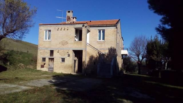 Rustico / Casale in buone condizioni parzialmente arredato in vendita Rif. 4362308