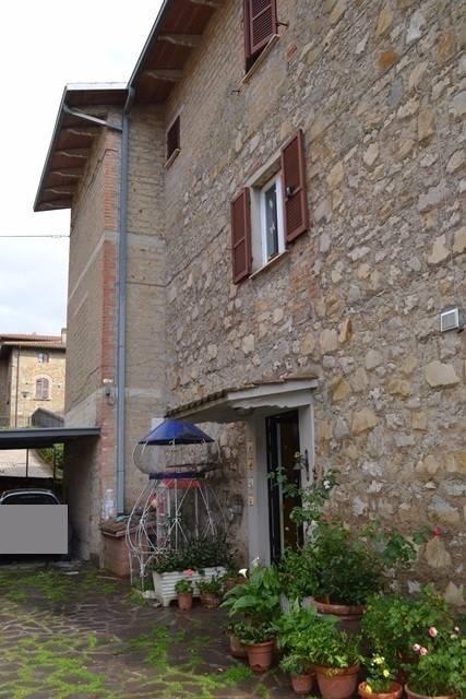 Appartamento in Vendita a Magione: 5 locali, 162 mq