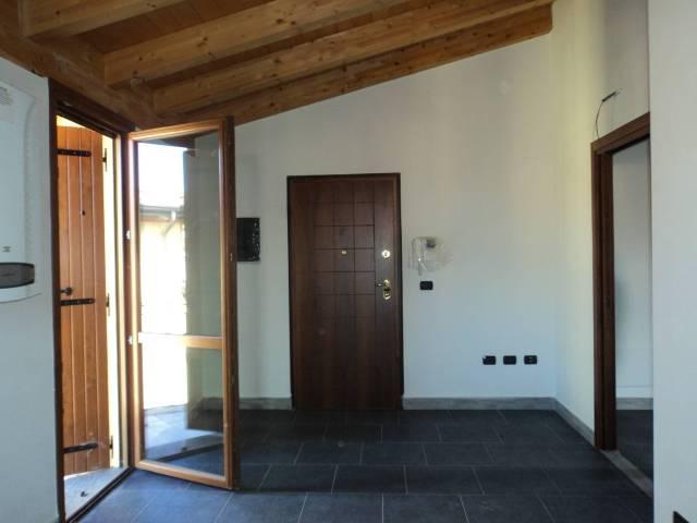 Appartamento in ottime condizioni in vendita Rif. 4211487