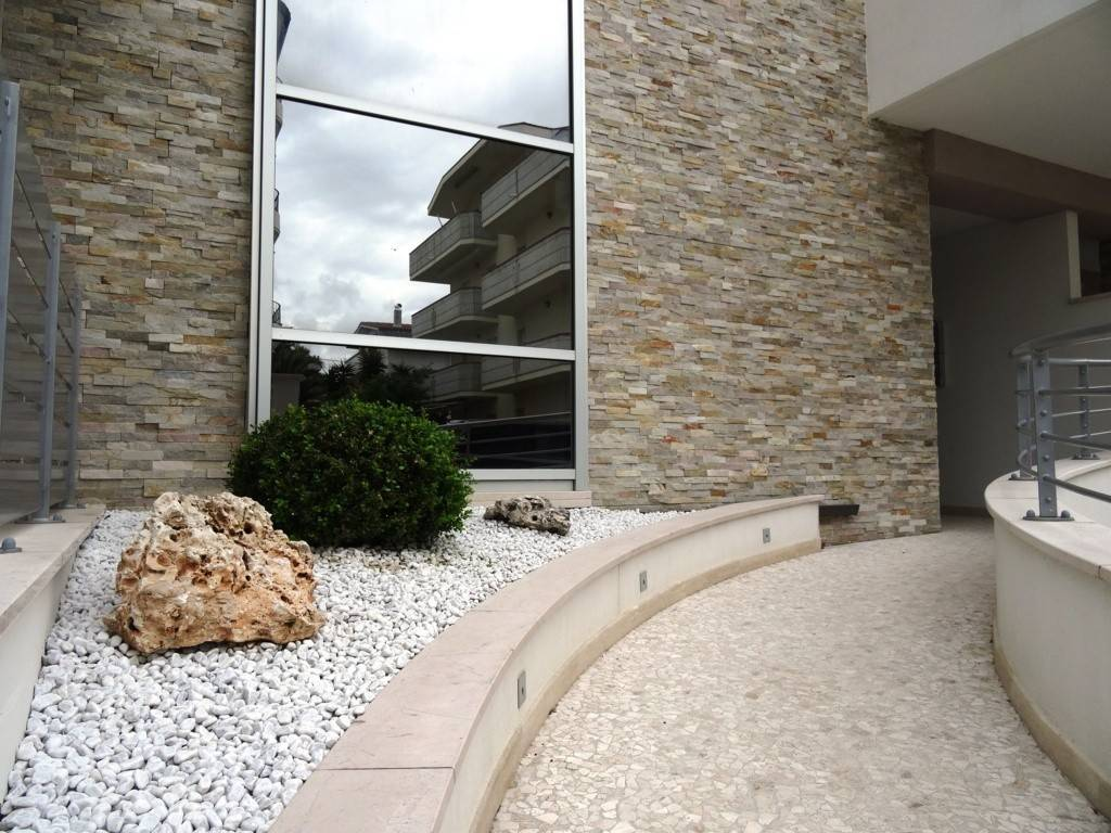 Appartamento in ottime condizioni in vendita Rif. 4261490