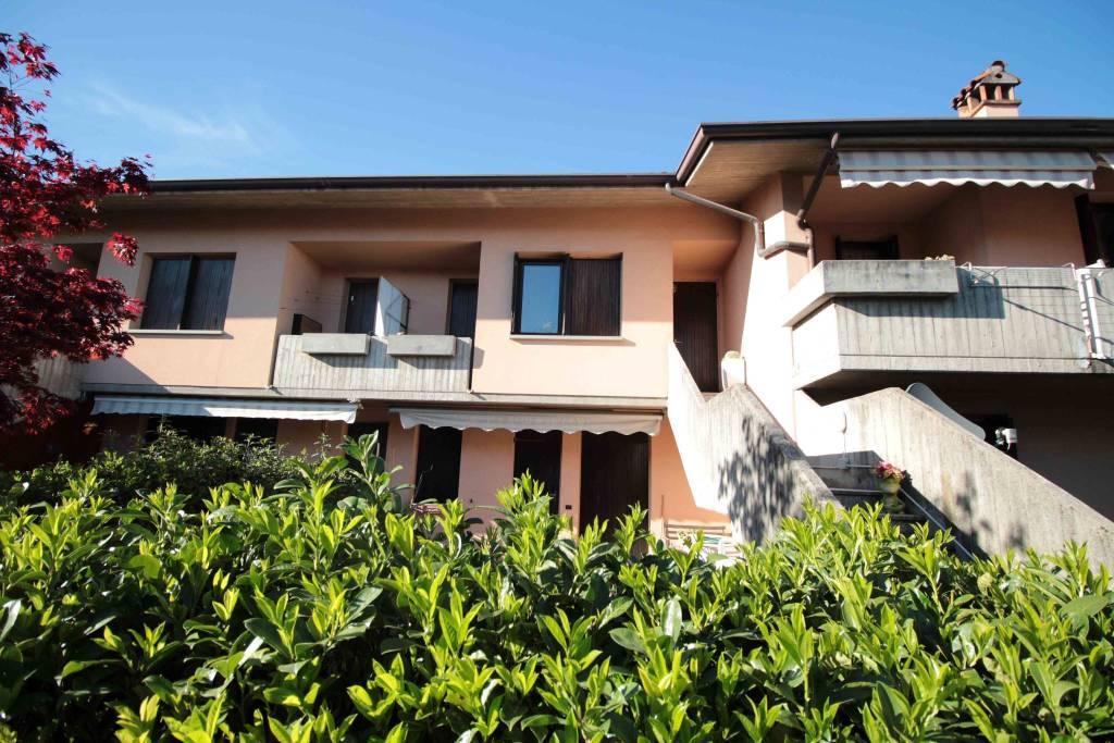 Appartamento in buone condizioni in vendita Rif. 5082415