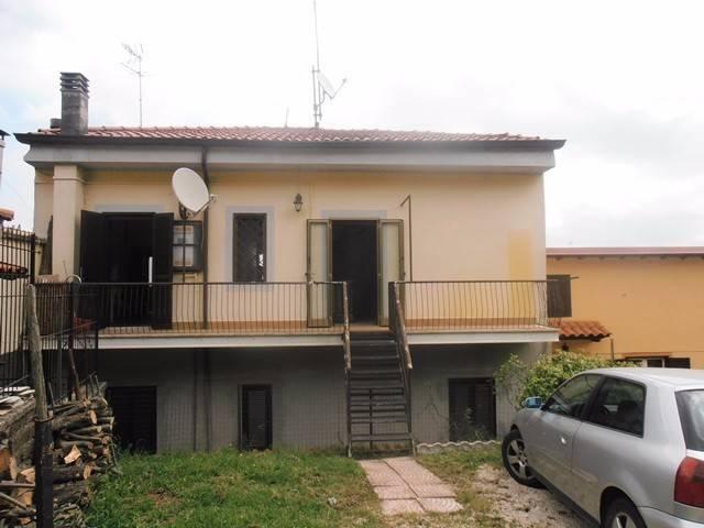 Appartamento in ottime condizioni arredato in affitto Rif. 4432158