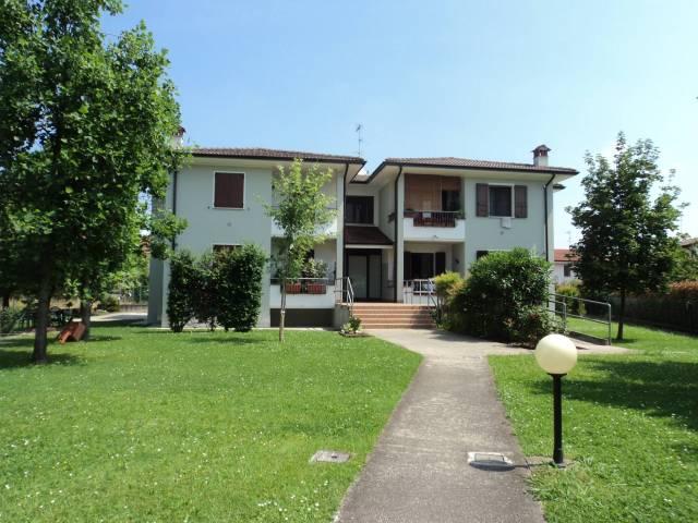Appartamento in ottime condizioni in vendita Rif. 4211488