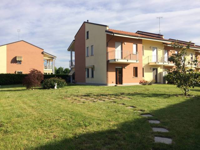 Appartamento in Vendita a Carrù
