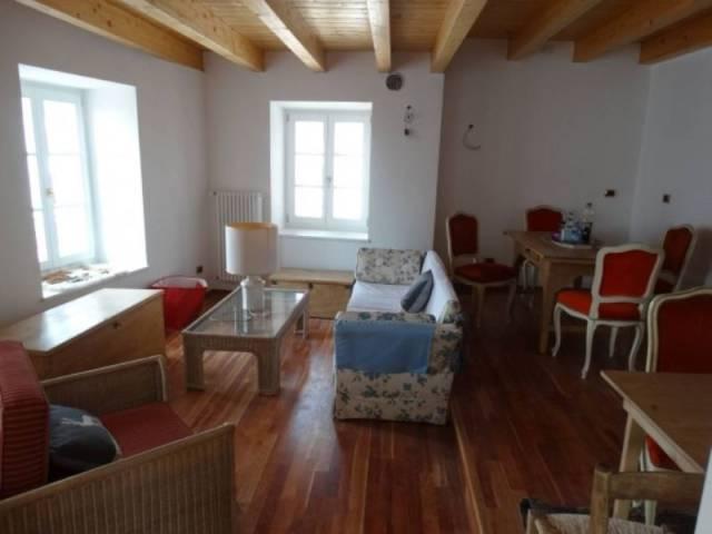 Appartamento in ottime condizioni parzialmente arredato in vendita Rif. 5011743