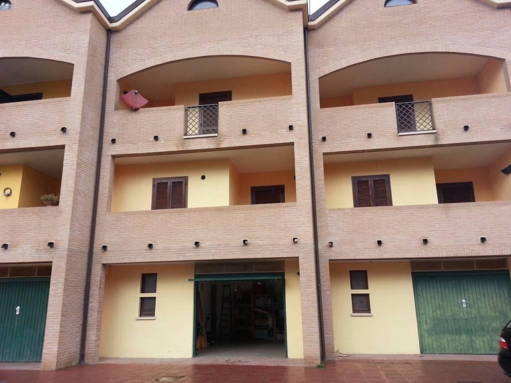 Villetta a schiera in ottime condizioni parzialmente arredato in vendita Rif. 4987023