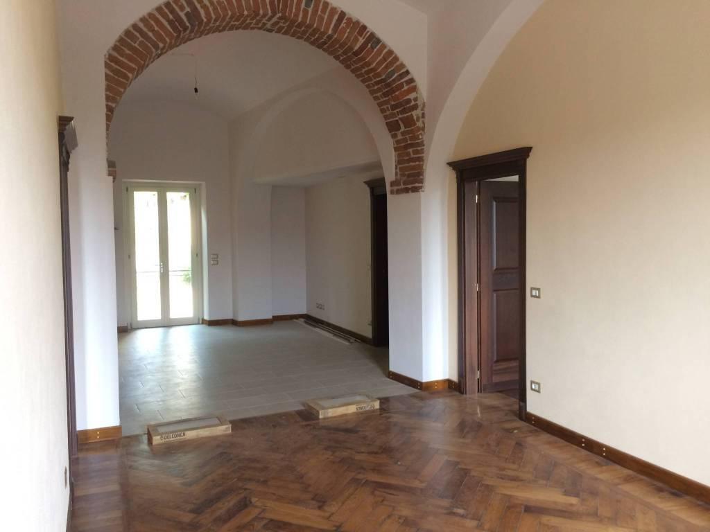 Appartamento in affitto a Carrù, 4 locali, prezzo € 450 | CambioCasa.it