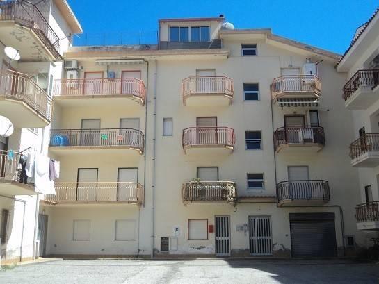 Appartamento in vendita a Gioiosa Marea, 3 locali, prezzo € 65.000 | PortaleAgenzieImmobiliari.it