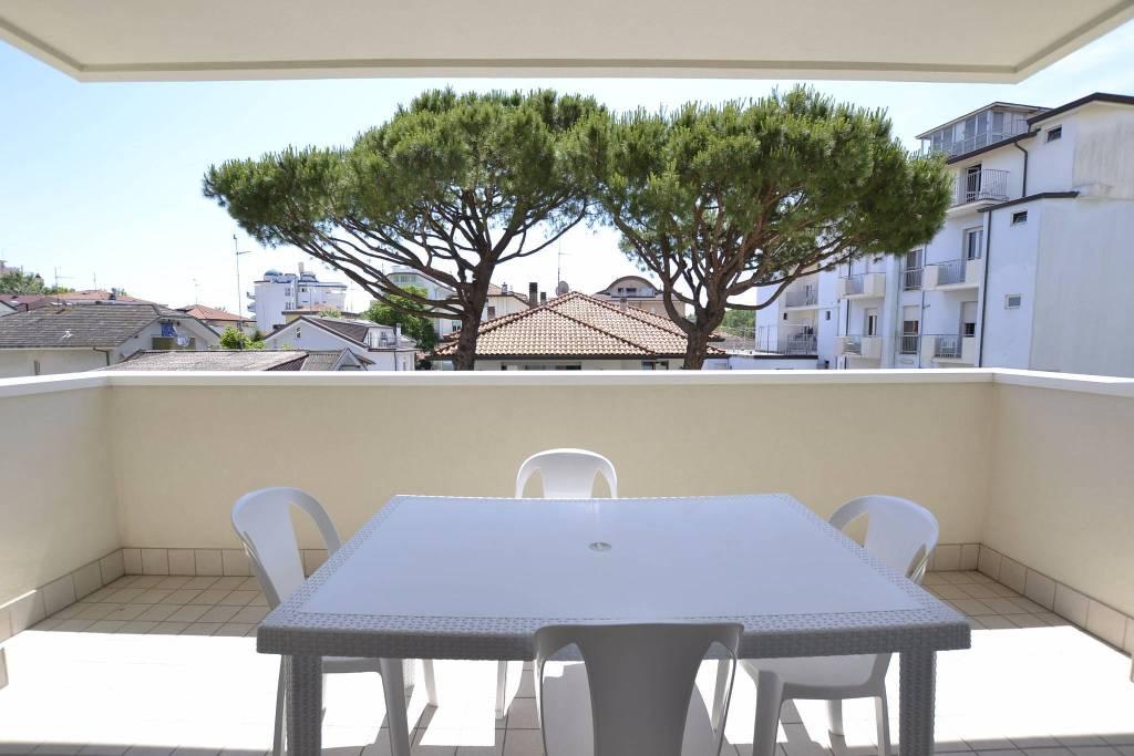 Appartamento in Affitto a Riccione Centro: 3 locali, 70 mq