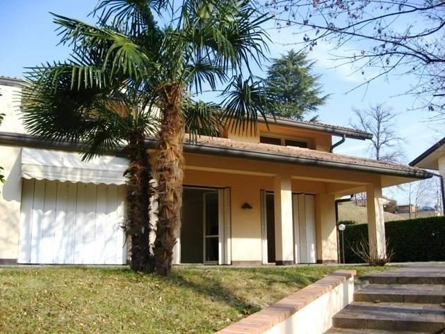 Villa in affitto a Varese, 6 locali, prezzo € 3.000 | CambioCasa.it