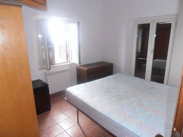 Appartamento in buone condizioni parzialmente arredato in affitto Rif. 7335433