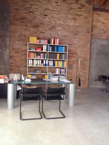 Loft open space in Vendita a Reggio Emilia: 3 locali, 350 mq