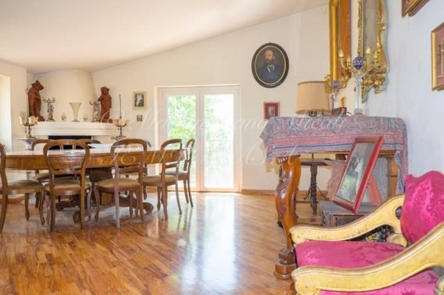 Appartamento in buone condizioni in vendita Rif. 4518576